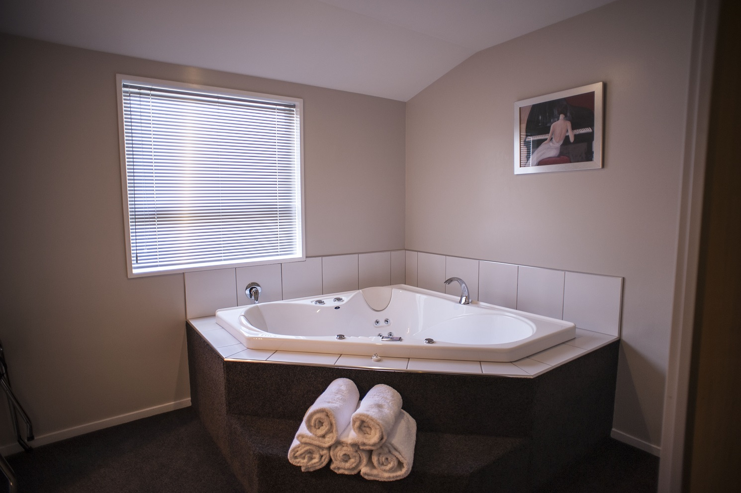 Spa bathroom suites - Executive Spa Suite 2 Jpg